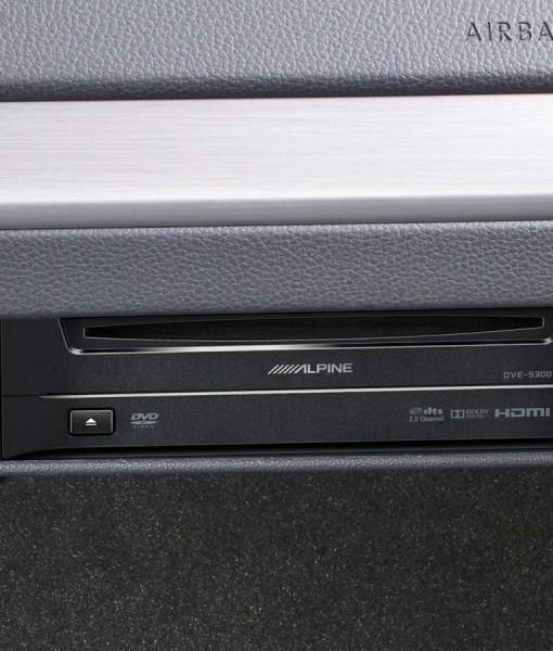 dvd-player-dve-5300g-for-volkswagen-golf7-installed-original-cd-1200×900
